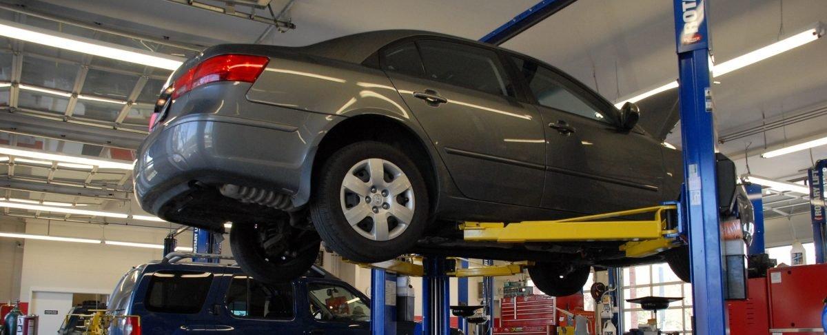 car servicing at Stoneacre