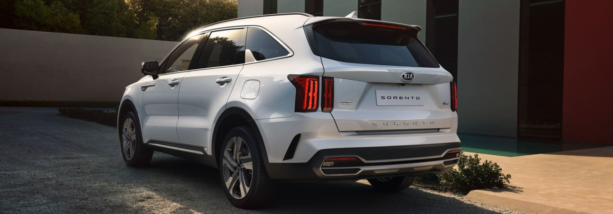 all-new Kia Sorento side rear aspect