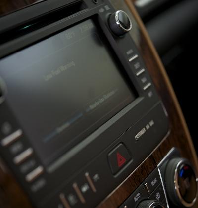 Car touchscreen infotainment screen